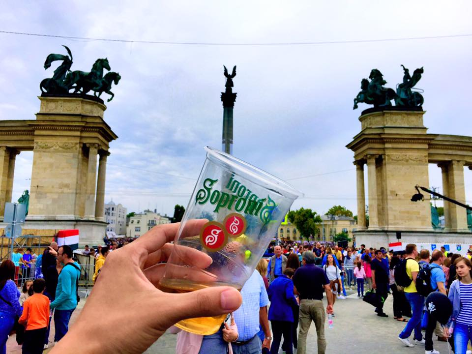 Heroes' Square with Beer