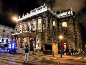 夜晚的匈牙利歌劇院