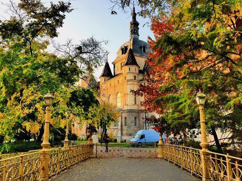 秋天的沃伊達奇城堡
