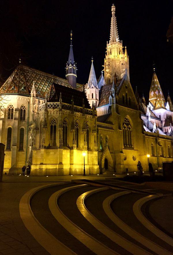 布達佩斯-布達區-馬提亞斯教堂 (馬加什教堂)夜景