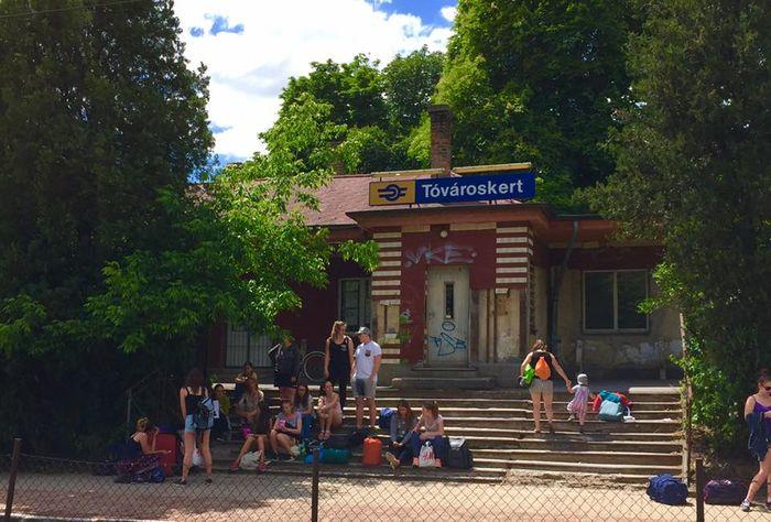 Tóvároskert 車站(TaTa)