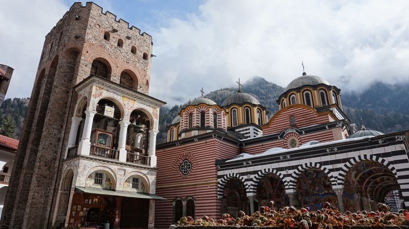 里拉修道院與塔樓