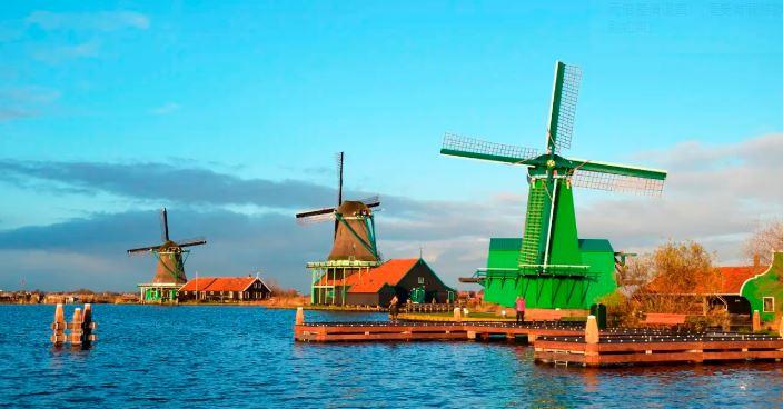 荷蘭風車村