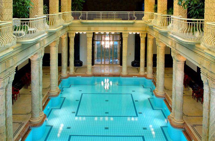 蓋勒特浴場 Gellért Thermal Bath