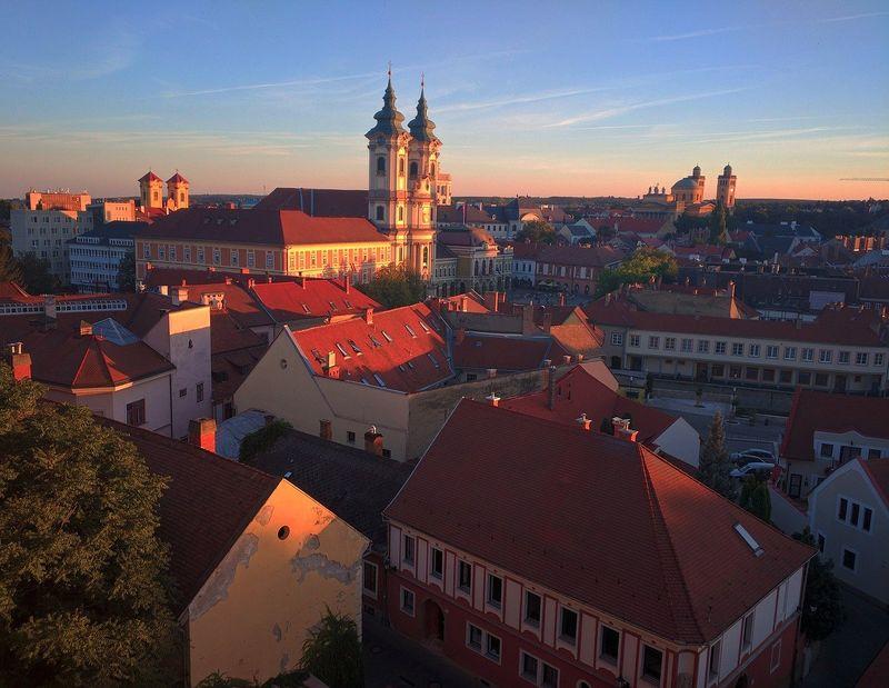 匈牙利布達佩斯近郊小鎮-艾格爾(埃格爾)Eger-美人谷傳奇公牛血