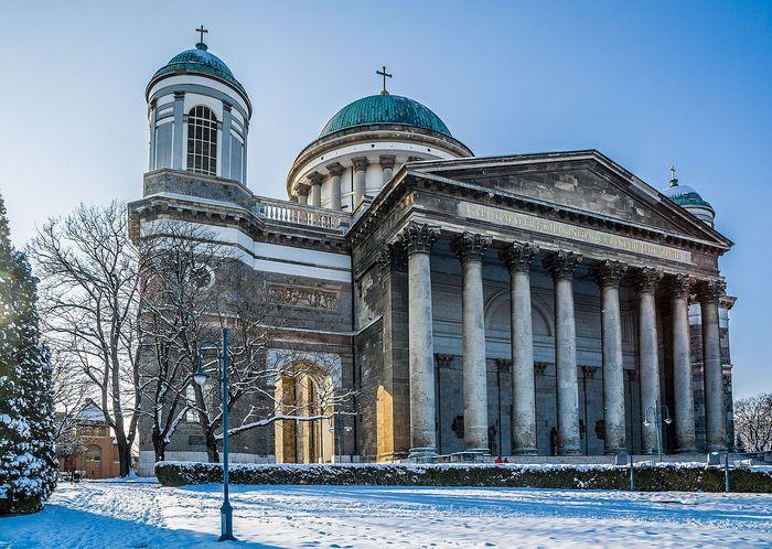 匈牙利布達佩斯周遭小鎮-厄斯特貢Esztergom-厄斯特貢大教堂Esztergom Basilica