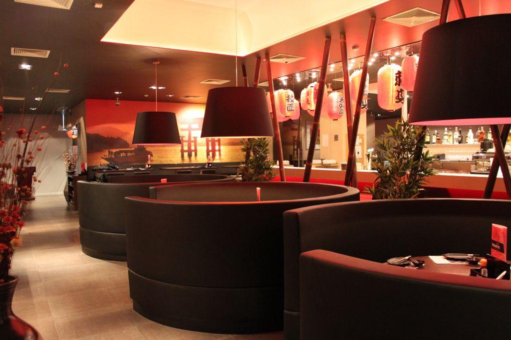 匈牙利打工度假:布達佩斯餐廳-itoshii日式餐廳吃到飽,還有小包廂座位。