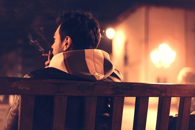 匈牙利人很愛抽菸