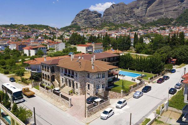 卡蘭巴卡梅特歐拉住宿推薦-Monastiri Guesthouse-位在後火車站的修道院風格民宿。