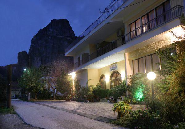 卡蘭巴卡梅特歐拉住宿推薦-Spartacus House-位在梅特歐拉山腳下,距離第一座修道院走路大約10分鐘。