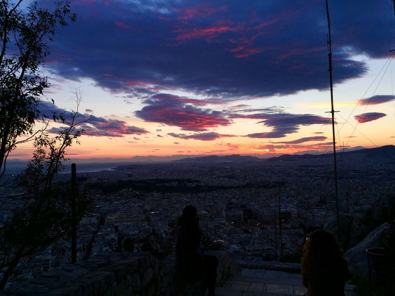 利卡維多斯山丘Lykavittos Hill,粉紅色天空夜景要來了。