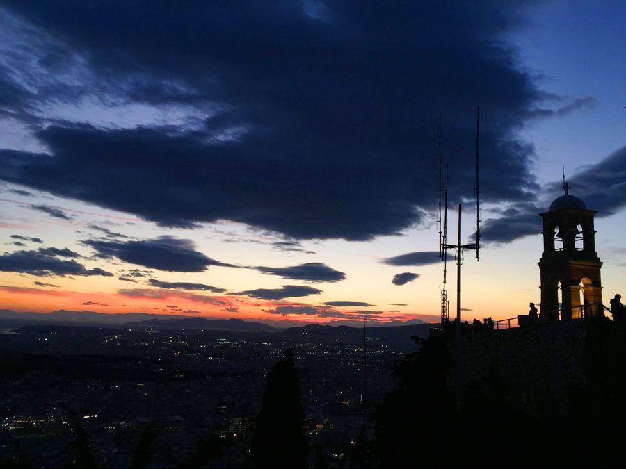 利卡維多斯山丘Lykavittos Hill,夜景準備來了。