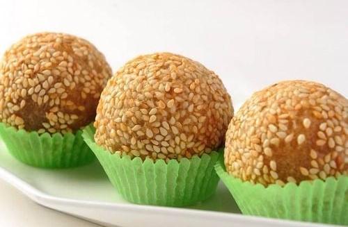 Fu Mester傅師傅:布達佩斯中式餐館-中式甜點芝麻球。