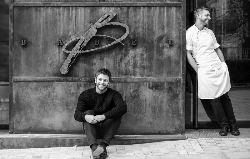 布達佩斯米其林一星餐廳,老闆與主廚,老闆神似布萊德彼特,本身猶如一顆星。