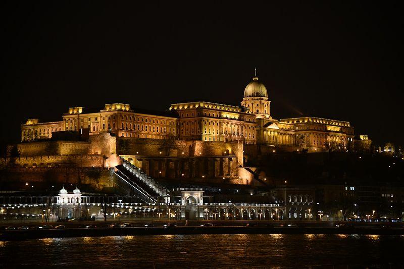 布達佩斯布達城堡 Buda Castle,包含布達皇宮、博物館、美術館,穿梭其中感受當時的光輝。