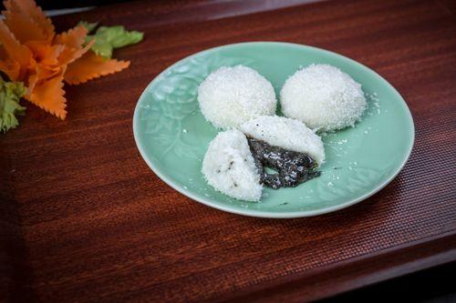 Fu Mester傅師傅:布達佩斯中式餐館-中式甜點芝麻麻糬。