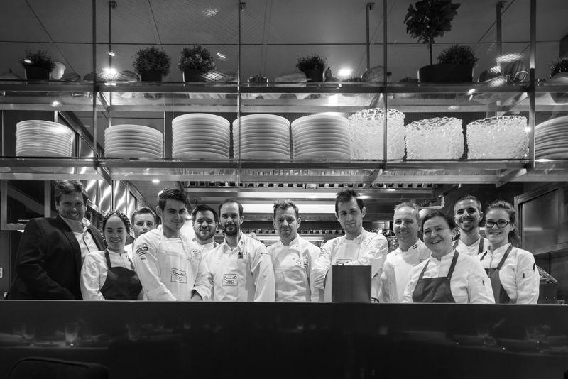 布達佩斯米其林一星餐廳 STAND主廚與他們合作多年的夥伴們。