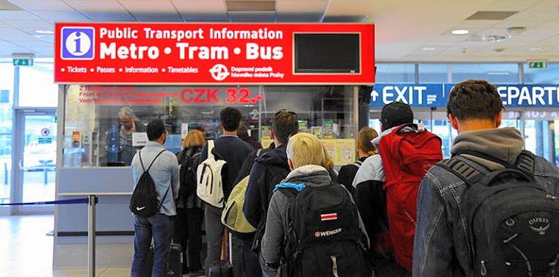 布拉格機場大眾運輸購票服務台Public Transport information at Prague Airport