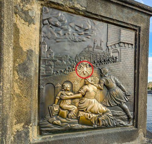 布拉格必去行程:查理大橋聖約翰許願,帶來好運氣。