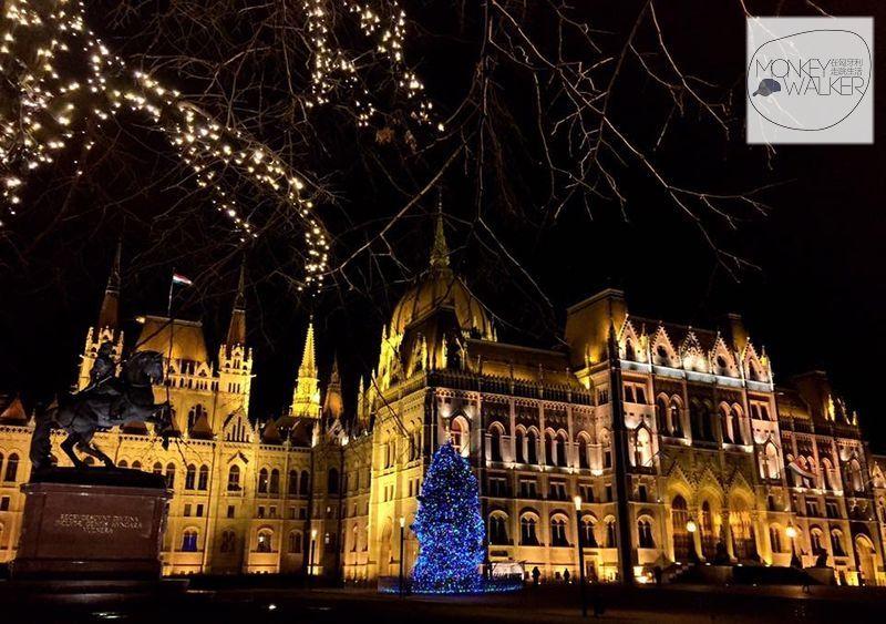 聖誕節的匈牙利國會大廈很迷人。
