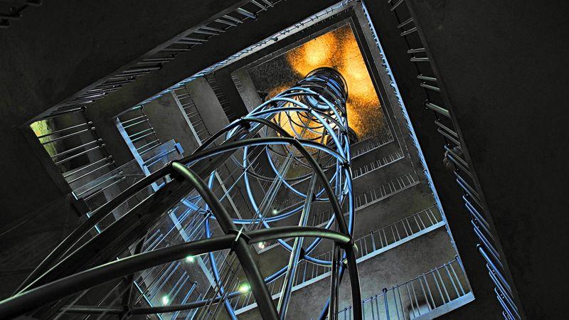 Prague Astronomical Clock 布拉格天文鐘內部的電梯,有點穿越感。