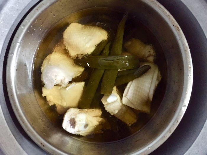 剝皮辣椒桂丁雞湯作法