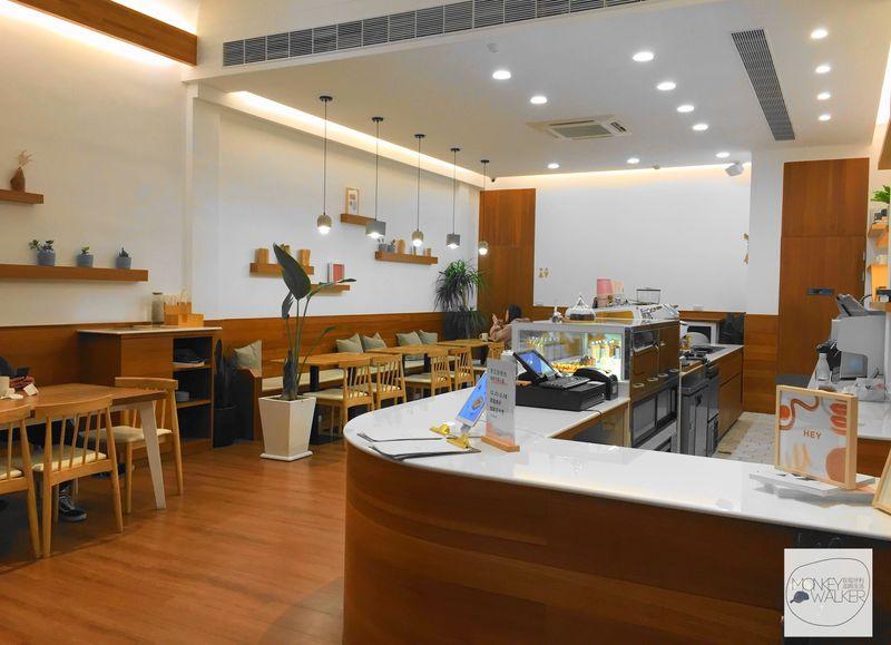 斗六OHEY Cafe慕光咖啡館內部寬敞空間。