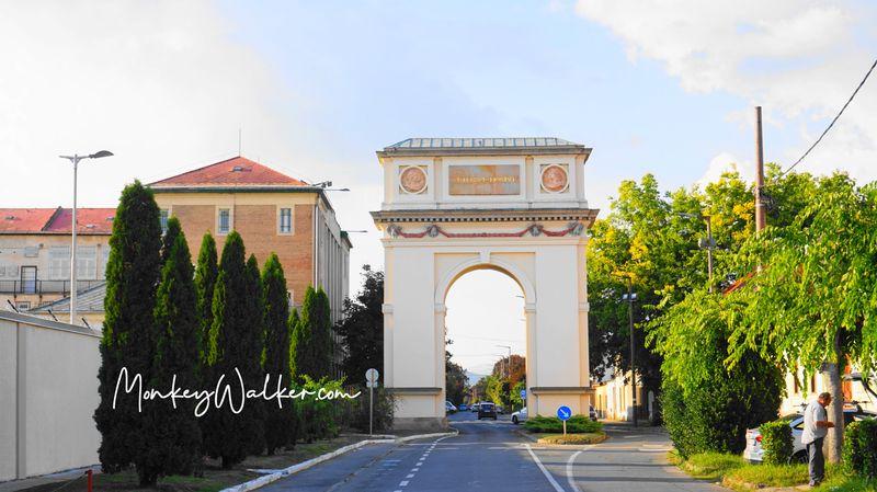 瓦茨的凱旋門Triumphal Arch