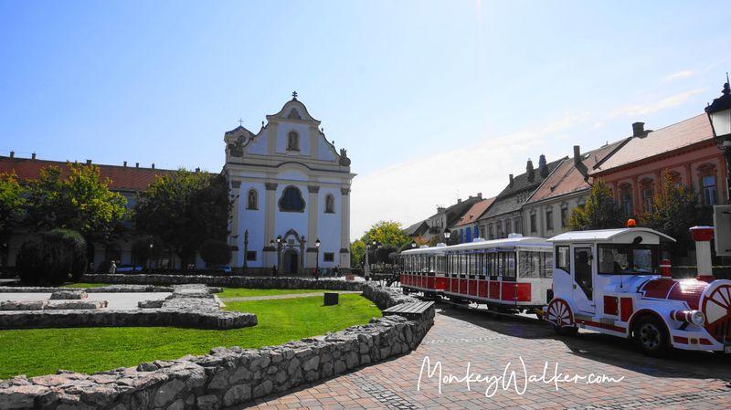瓦茨白色教堂 Church of the Whites