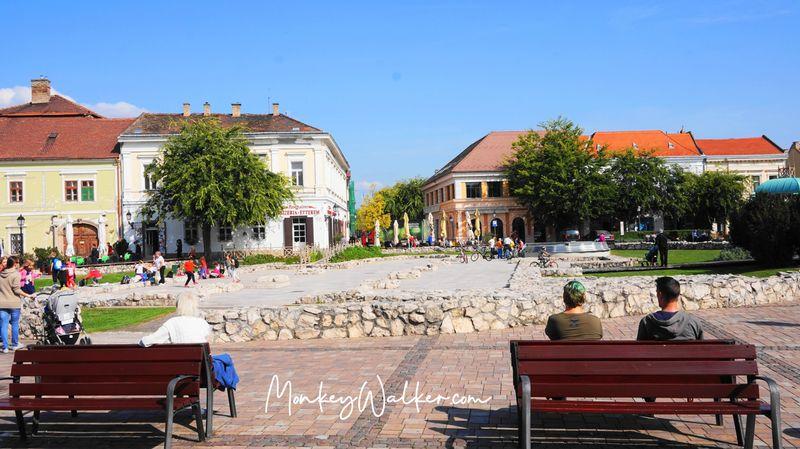 瓦茨主廣場-馬爾修斯15廣場Main Square - Saint Matthew Crypt,古羅馬遺跡。