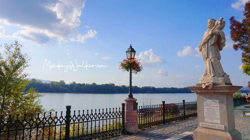 漫步瓦茨多瑙河畔