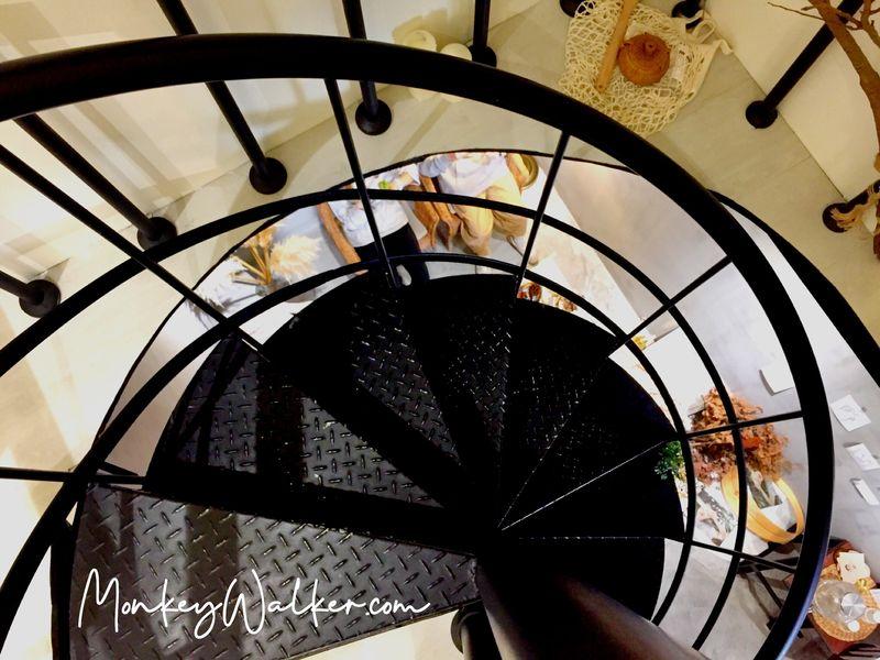 斗六巴蕊花生義式冰淇淋的旋轉樓梯