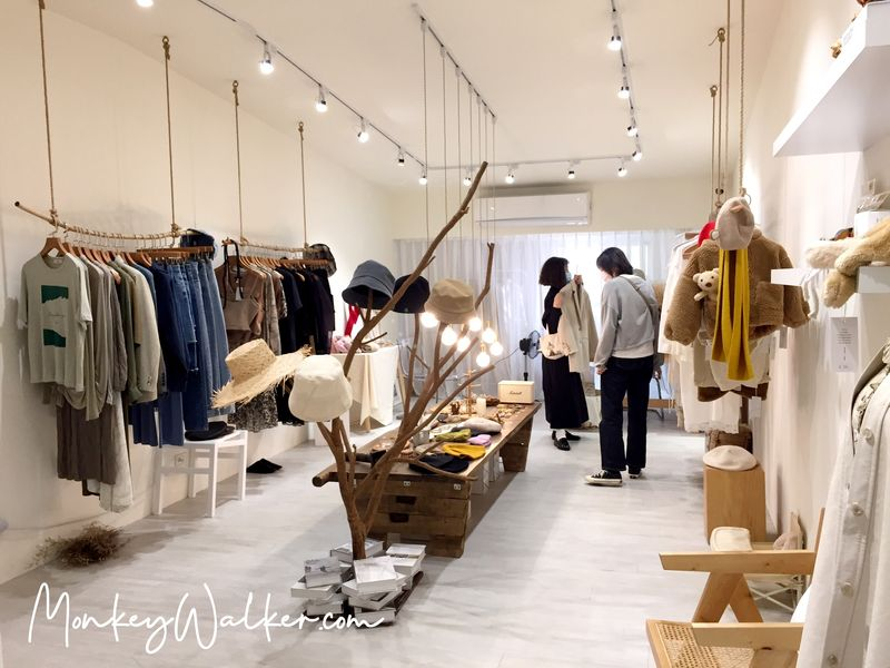 斗六巴蕊花生義式冰淇淋2樓的女性服飾店。
