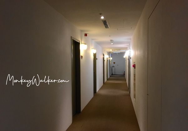 Star Hostel信星旅店台北車站的第5樓走廊,很乾淨寬敞。