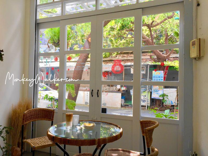 阿信輕旅台南店旁邊的小空間,一起享用早餐時刻吧。