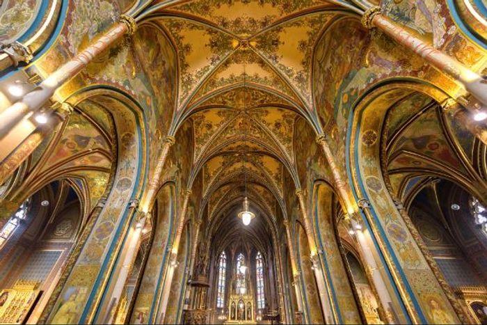 位在捷克布拉格高堡區的聖彼得聖保羅教堂。