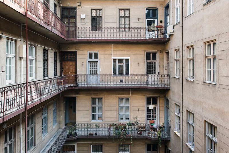布達佩斯台灣人Airbnb,傳統的匈牙利公寓風格。