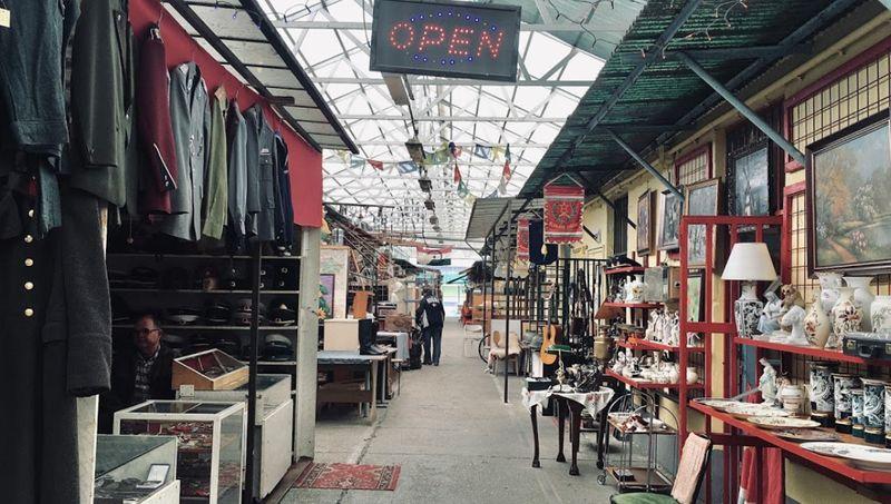 布達佩斯Ecseri Flea Market 跳蚤市場,喜愛古玩尋寶的你一定要來。