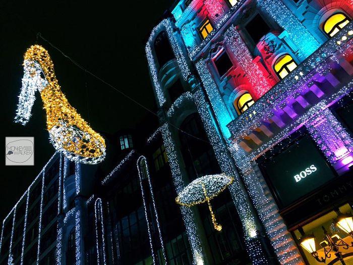布達佩斯逛街的地方-Fashion Street,聖誕節前一個月轉變成為閃爍的街道。