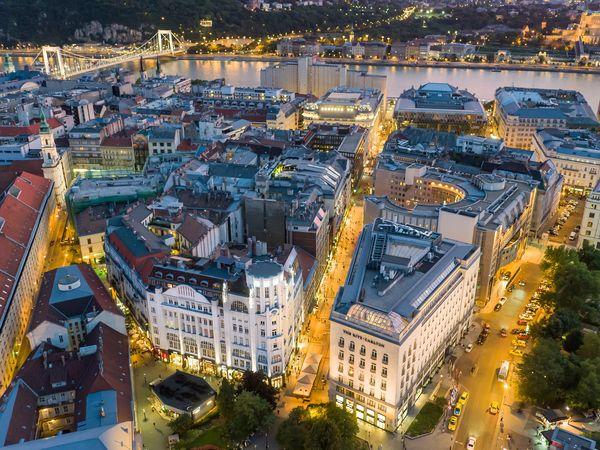 布達佩斯逛街的地方-Fashion Street空拍圖。