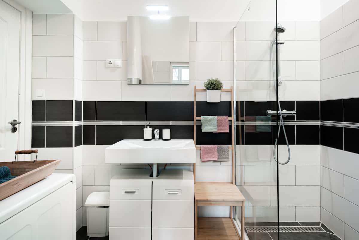 布達佩斯的台灣人民宿Airbnb,衛浴設備也很乾淨舒適。