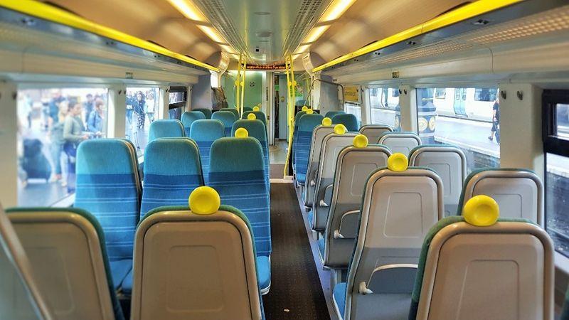 Southern Rail 內部座位