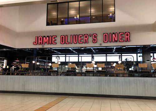 機場內有名的餐廳Jamie Oliver's Diner