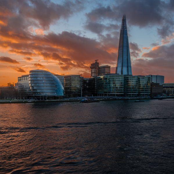英國倫敦碎片大廈 (The View from The Shard),包含在London Pass通行證裡,記得去看日景或夜景。