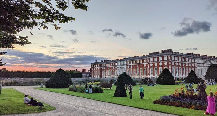 英國倫敦漢普頓宮 (Hampton Court Palace),包含在London Pass通行證裡,可以來場一日遊行程。