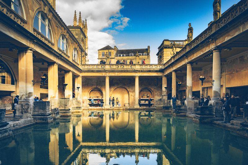 巴斯最著名的巴斯羅馬浴場(Roman Baths)
