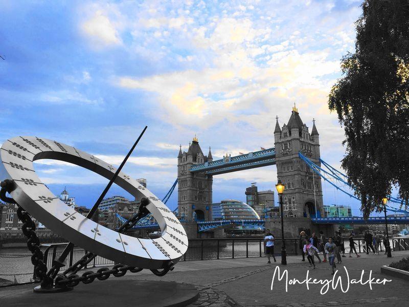倫敦塔橋 (Tower Bridge),從這個角度看很吸引人。