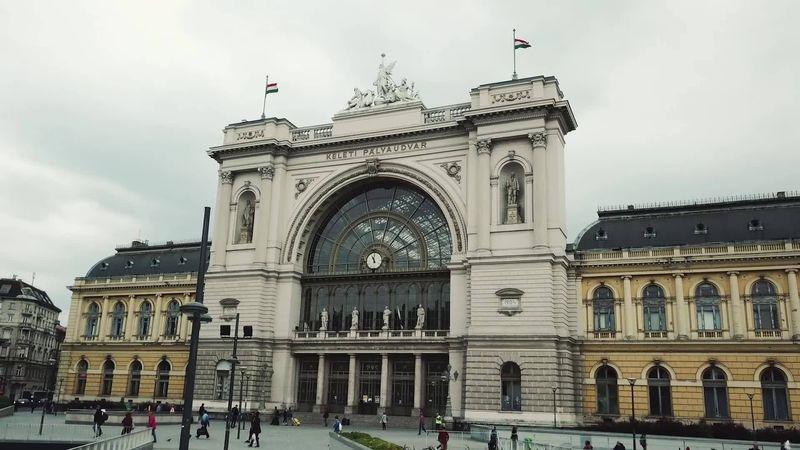 布達佩斯的Keleti火車站,是國際車站。